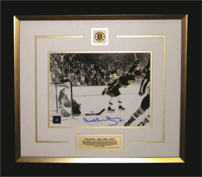 "7 ½ x 11"" photo of Bobby's 1970 Stanley Cup"
